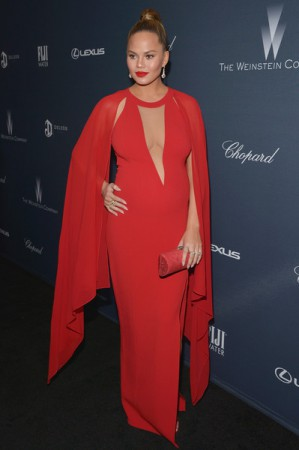 Chrissy Teigen Is One Hot Pregnant Mama! See Her With John Legend At The Pre-Oscar Dinner By Weinstein Company