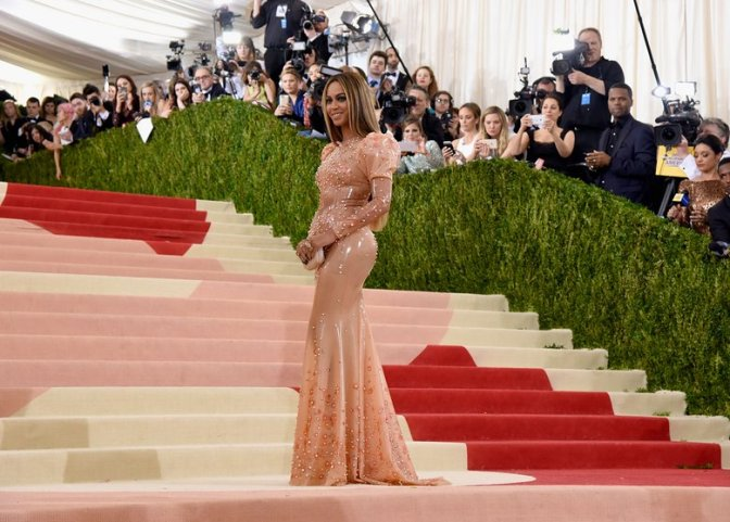 Beyoncé At The MET GALA 2016: View What The Queen Bee Wore
