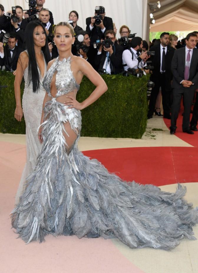 Fabulous Looks From The 2016 MET GALA: Nicki Minaj, Idris Elba, Nas & More
