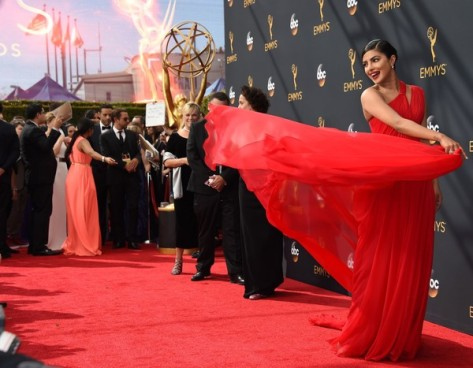 68th-annual-primetime-emmy-awards-yaasomuah-priyanka-chopra-1