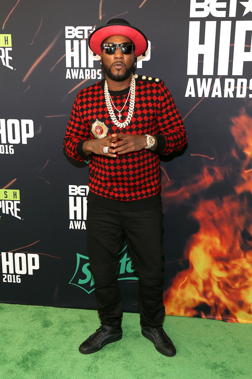 Hip Hop Fashion: Glitz & Glam From The 2016 BET Hip-Hop Awards : DJ Khaled