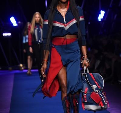 Model Gigi Hadid Attacked + Naomi Campbell, Jourdan Dunn & More Walk Versace's Milan Fashion Week Show