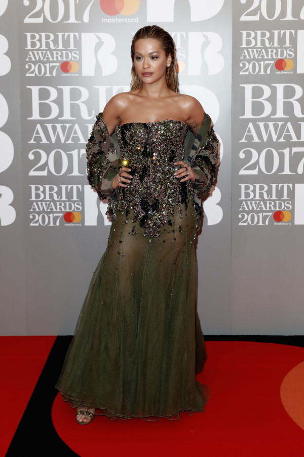 Fabulous Fashion Moments & List of Winners At The Brit Awards 2017